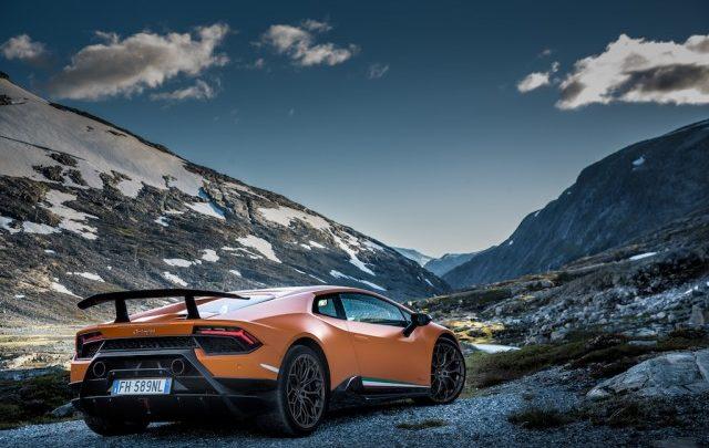 Photo of Lamborghini in Norvegia, mozzafiato!